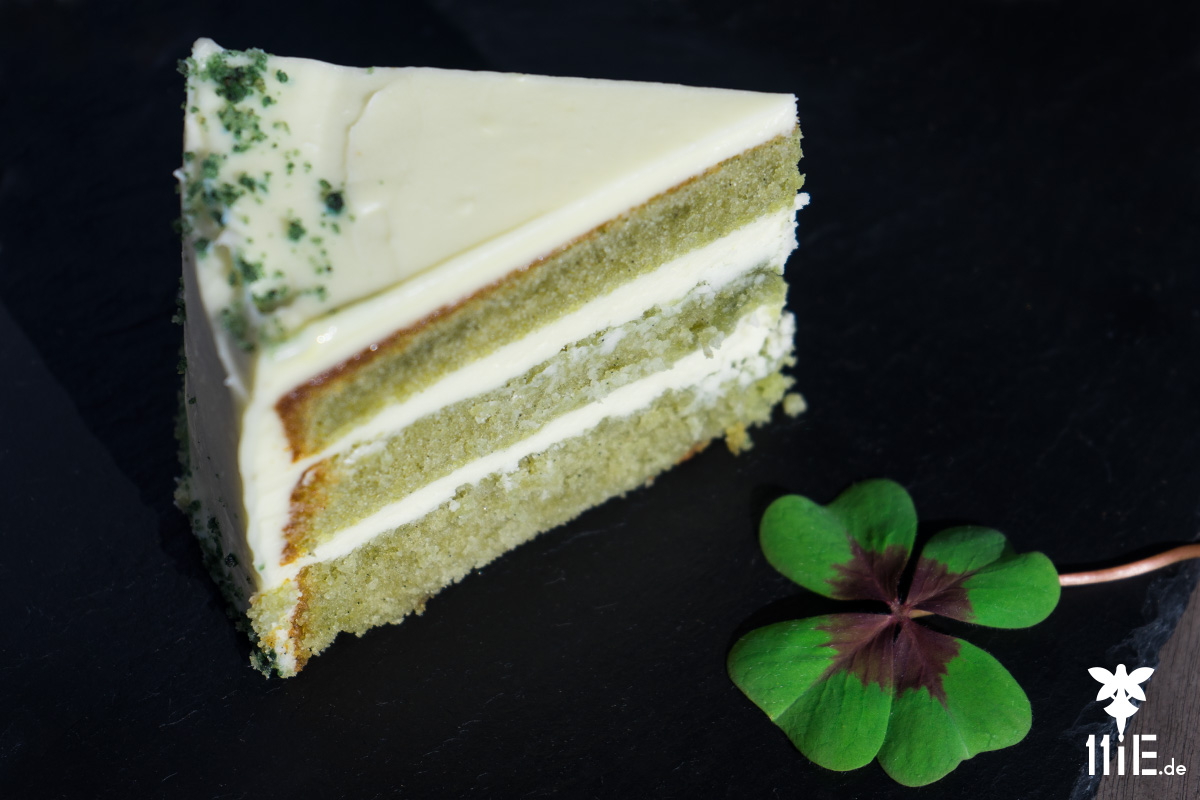 Green-Spirulina-Cake mit Cream Cheese Frosting